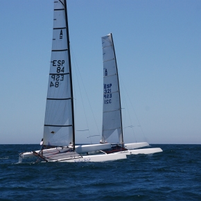 7 Valientes catamaranes desafiaron al temporal en Chipiona (3ª Prueba LigaInvierno)