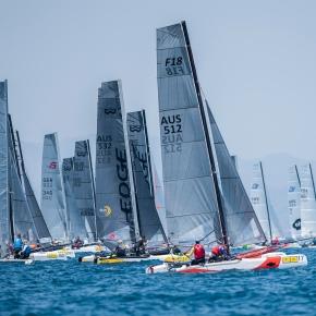 Griegos, argentinos y australianos, al frente del F18 World Championship Costa Brava en el primer día deregatas